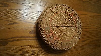 Vintage Sewing Basket with lid and braided handle- - VGC