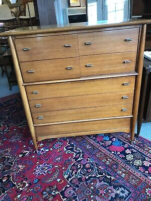 Rway Furniture Mid Century Chest Of Drawers.            Blond mahogany