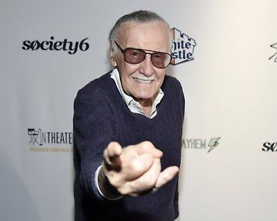 Stan Lee 8 x 10 / 8x10 GLOSSY Photo Picture