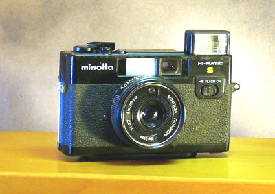 Minolta HiMatic S   35mm Camera with Flash. Made in Japan