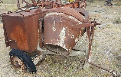 Antique Council Concrete Mixer with Antique Engine