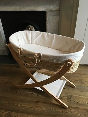 Seed Organic The Pod bassinet in perfect condition