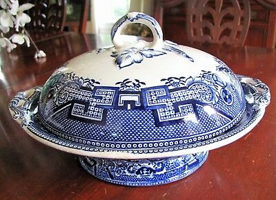 ANTIQUE STAFFORDSHIRE BLUE WILLOW COVERED CASSEROLE 19TH c W A. ADDERLEY ENGLAND