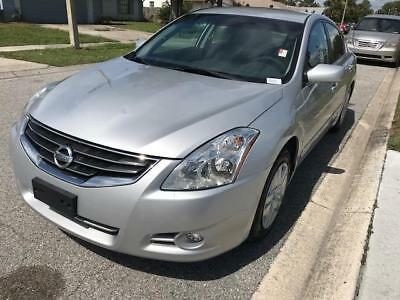 Altima 2.5 S Nissan Altima Silver with 148,957 Miles, for sale!