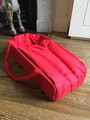 Phil and Teds Cocoon Baby Carrycot Bassinet in excellent condition