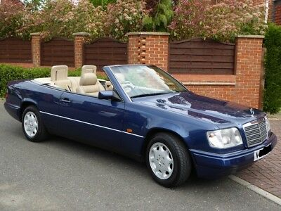 Mercedes E220 - 1995 N Reg Four Seat Convertible with Full Service History