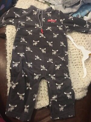 Carters 6 to 9 months boy baby clothes