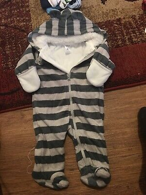 Carters &Gap baby boy clothes 0-3 months lot