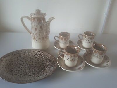 Fosters pottery honeycomb Coffee Pot 6 Cups and Saucers plus Large Sideplate VGC