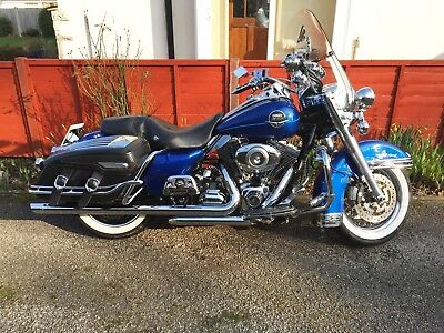 Harley Davidson FLHRC Road KIng Classic 1584