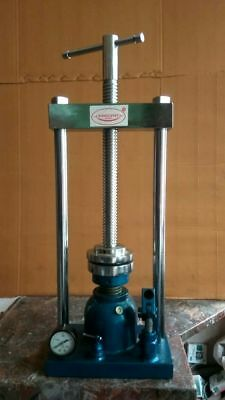 Macrodent Hydraulic Press For Pressing Flasks With Good Quality