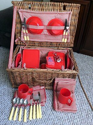 Wicker Picnic Basket / Hamper Ideal Christmas Gift Hamper / Home Storage