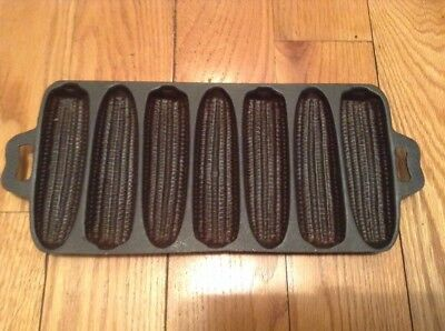 Vintage Cast Iron 7 Slot (7SB) Ear Corn Pone Cornbread Bread Muffin Pan Mold