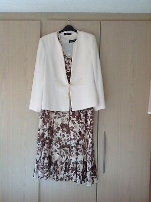 A Beautiful Dress And Jacket From Jacques Vert In Size 22