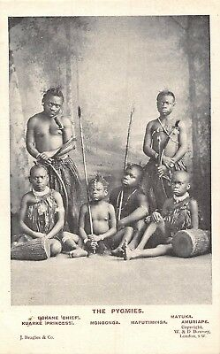 POSTCARD   ETHNIC  THE  PYGMIES     The  Chief  and  Family   RP