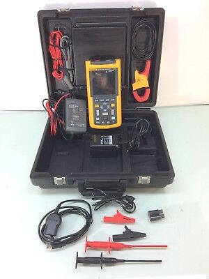 Fluke 125 Industrial Scopemeter w/ i400s AC Clamp & DP120 Diff. Volt Probe