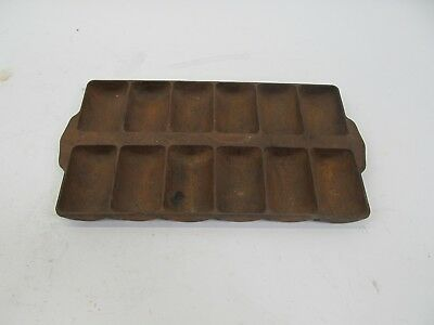 Griswold #11 Cast Iron Corn Bread / French Roll / Muffin Pan