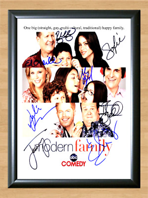 Modern Family TV Series Cast Signed Autographed A4 Photo Poster Memorabilia dvd
