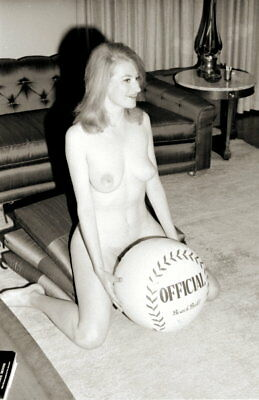 Vintage PINUP Negative 1960s SEXY REDHEAD (Nudes)