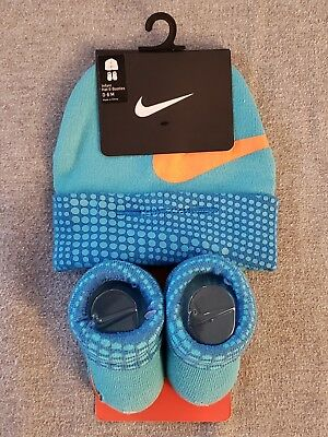 Nike baby shower 2 piece gift set infant booties cap