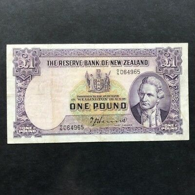 1940 New Zealand £1 Hanna One Pound Banknote, Number over Letter, Scarce