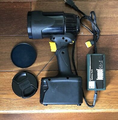 Lowel GL-1 Power LED Portable Focusing Light Rechargeable Spotlight