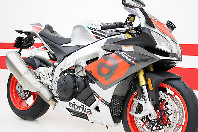 2018 Aprilia Aprilia RSV4 RR  2018 Aprilia RSV4 RR - BUCINE GREY / APRC PACKAGE / NEW ENGINE / UPGRADED