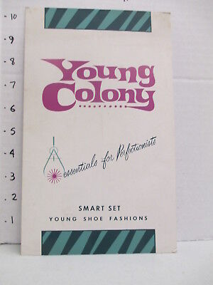 SMART SET SHOES 1960s store display sign women's clothing Young Colony girls