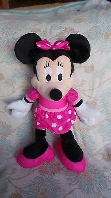 Fisher Price ~ Disney ~ Talking & Singing Minnie Mouse Soft Toy