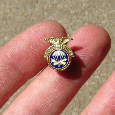 WW2 US Army Military Paratrooper Airborne Paraglider Association Pin
