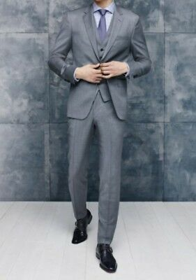 BOSS Johnstons/Lenon/We' Trim Fit Three-Piece Solid Light Gray Wool Suit 42R NWT