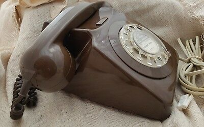 1981 Vintage Chocolate Brown GPO/BT 8746G Telephone - in perfect working order.