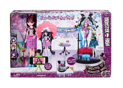 Monster High School Dance The Fright Away With Draculaura Doll Playset