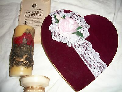 ROMANTIC LOVE GIFT vintage 1978 horse CANDLE with HEART-SHAPED BOX & Shakespeare