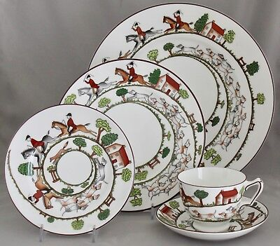 Hunting Scene by Crown Staffordshire 5-Piece Place Setting w/Horses MINT