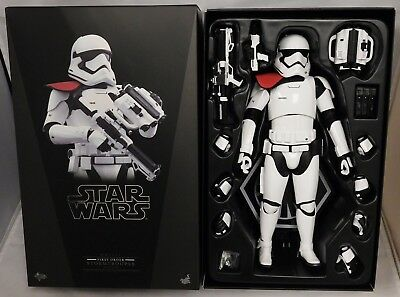 Hot Toys Star Wars First Order Stormtrooper Officer 1:6 Scale Figure MMS334