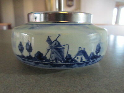 VINTAGE DELFT WINDMILL ASHTRAY WITH PUSH DOWN KNOB MADE in HOLLAND