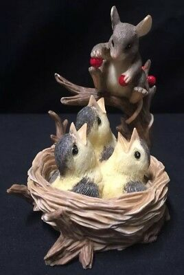 "Charming Tails Dean Griff Silvestri ""Feeding Time"" Mouse In Bird nest/ Berries"