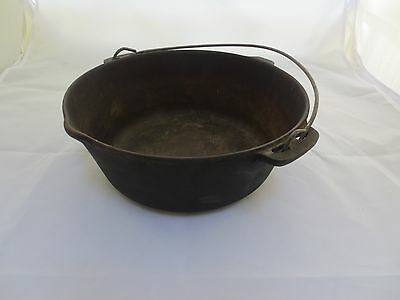 Antique No. 8 Cast Iron Hanging Pot With Pour Spout Unmarked