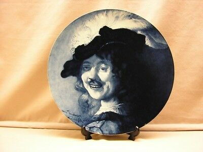 Gouda pottery portrait wallplate marked Zuid-Holland production period 1901-1902