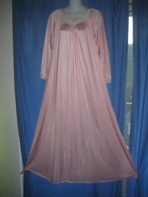 SALE! Vintage DREAMAWAY Long Nightgown PRETTY PINK  Nylon & Lace SMALL