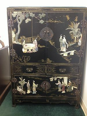 Merveilleux Antique Chinese Black Lacquer Cabinet With Jade And Stone Inlay Qing Dynasty