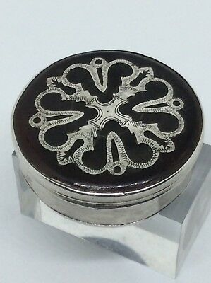 c1700 Queen Anne Period Silver Pique Inlay Faux Tortoiseshell Patch Pill Box
