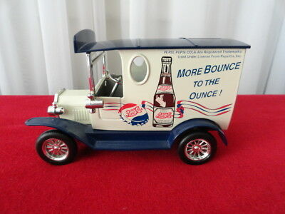 Vintage Golden Classic Pepsi-Cola Die Cast Metal Car Truck Coin Bank  with Key