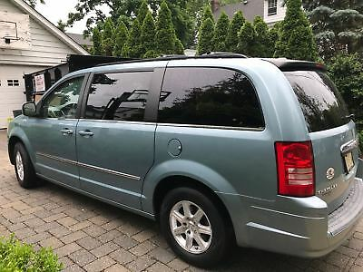 2009 Chrysler Town & Country TOURING 128,000 Miles 2009 Chrysler Town & Country Touring