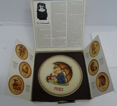 Vintage 1982 West German MJ Hummel W Goebel Decorative Plate in Original Box