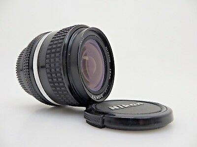 Nikon Lens Objektiv NIKKOR 2104742 28mm F 3.5 AIS front and back cover kd059