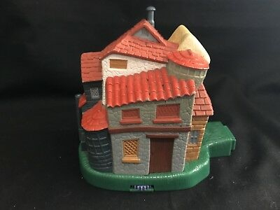 Vintage polly pocket   HARRY POTTER STYLE COTTAGE .no figures