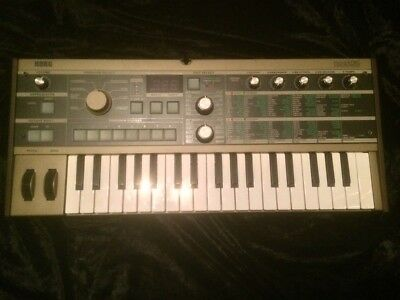 Korg Microkorg Keyboard Analog Modeling Synthesizer/vocoder Perfect Condition