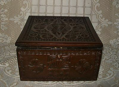 VINTAGE ORNATE CARVED LINED WOOD BOX *warped lid* (ex Lodge/Celtic?) 20x20x11cm
